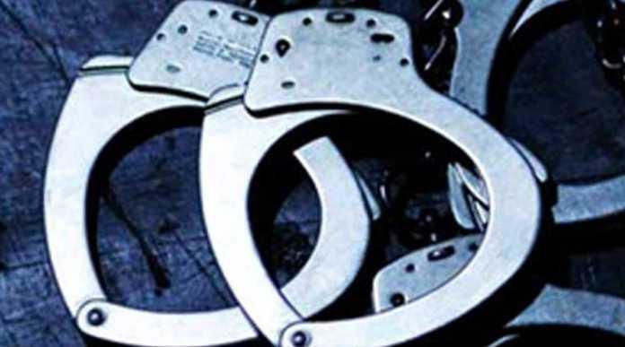 फिर विवादों में घिरा आईपीएल, 6 लोगों को पुलिस ने किया गिरफ्तार 9