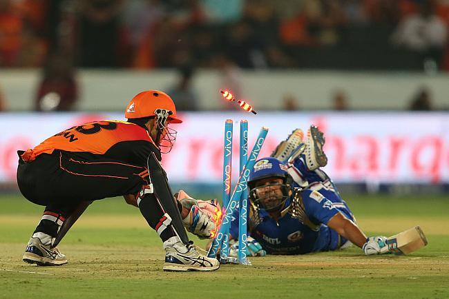 आईपीएल 9: आज मुंबई और धवन के खराब प्रदर्शन के बाद लोगों ने खुब उड़ाया दोनों का मजाक 11