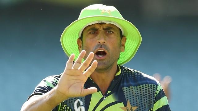 पाकिस्तानी खिलाड़ियों को एक- एक आलीशान घर देने की घोषणा करने वाले रियाज मलिक पर यूनिस खान ने इस कारण उतारा अपना गुस्सा 13