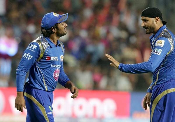 मुंबई इंडियंस से बाहर किये जाने के बाद छल्का हरभजन सिंह का दर्द, अब इस टीम से खेलना चाहते है आईपीएल 3