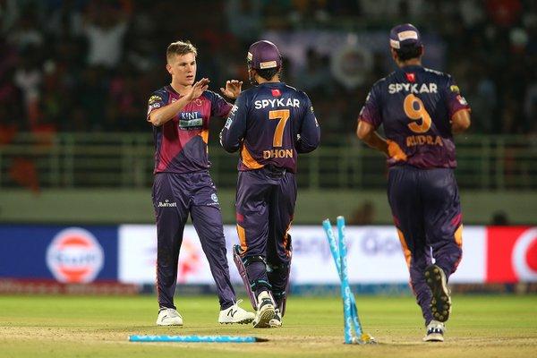 आईपीएल के दसवें सत्र से पहले राइजिंग पुणे सुपरजायंट्स की टीम ने बदला अपना नाम, देखें अब किस नाम से जानी जाएगी पुणे की टीम 9