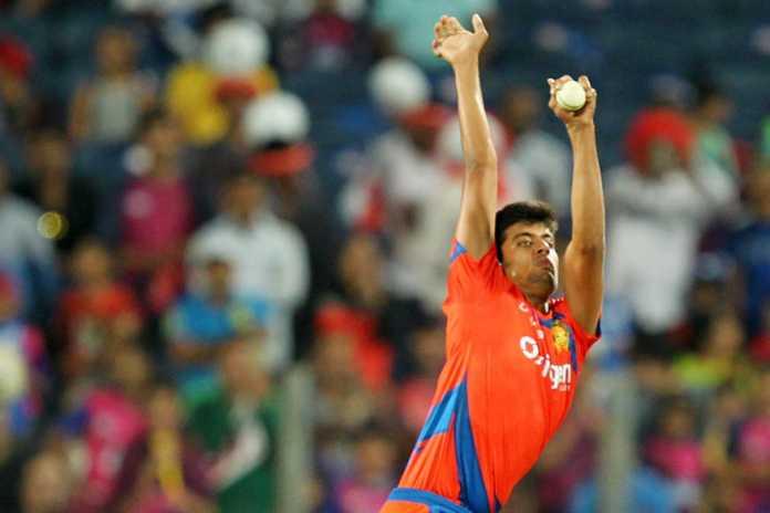 वीडियो- भारत को मिला एक और गेंदबाज जिसकी गेंदबाजी एक्शन है काफी अजीबोगरीब, बल्लेबाज खाते है खौफ 1