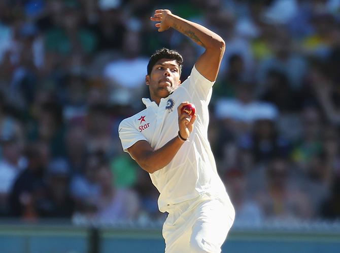 वेस्टइंडीज के बल्लेबाजों के साथ कुछ ऐसे खेल रहे थे उमेश यादव 9