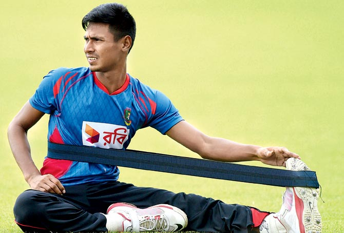 ब्रेकिंग न्यूज़ : सीरीज शुरू होने से पहले टीम का स्टार खिलाड़ी हुआ चोटिल, पहले वनडे मैच से बाहर 3