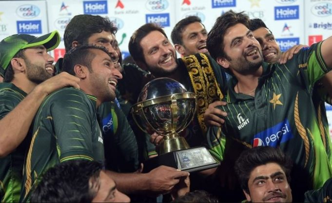 Pakistan-players-celebrate-after-taking-the-series-2-0-681x416
