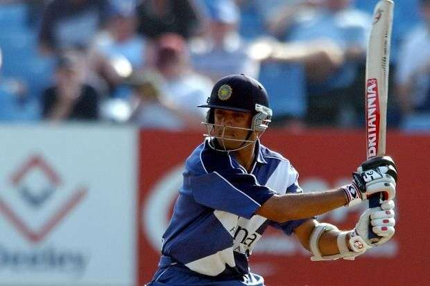 अजीबोगरीब टीमों से खेलने वाले 5 क्रिकेट खिलाड़ी 15