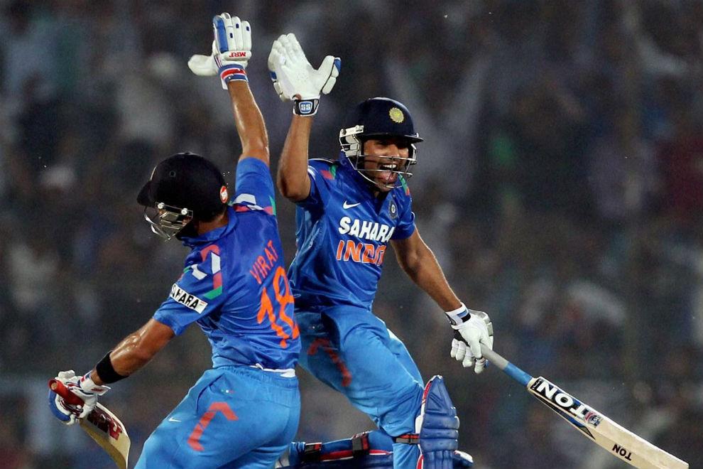 वनडे क्रिकेट की किसी एक पारी में चौके से ज्यादा छक्के लगाने वाले बल्लेबाजों में टॉप पर भारतीय बल्लेबाज 3