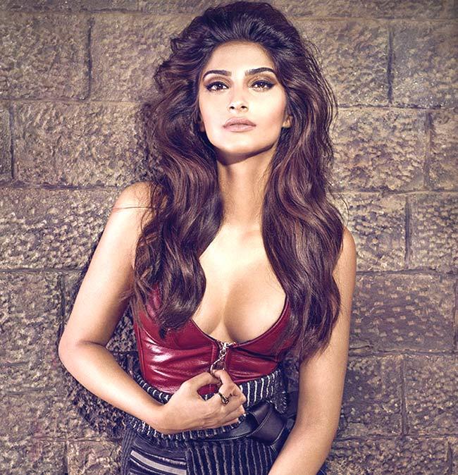 28-Sonam-Kapoor