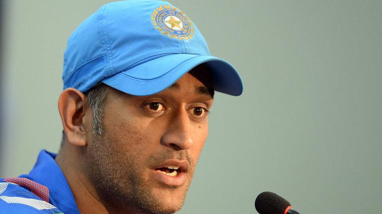"""""""आईपीएल से मत जलो"""" जब धोनी ने बंद की थी विदेशी पत्रकार की बोलती 4"""