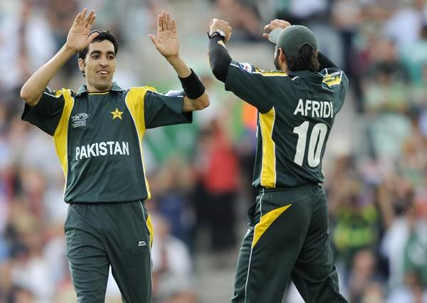 पाकिस्तान क्रिकेट टीम के दिग्गज तेज गेंदबाज ने लिया संन्यास, युवराज सिंह को कर चुके हैं पूरे करियर में 6 बार आउट 4