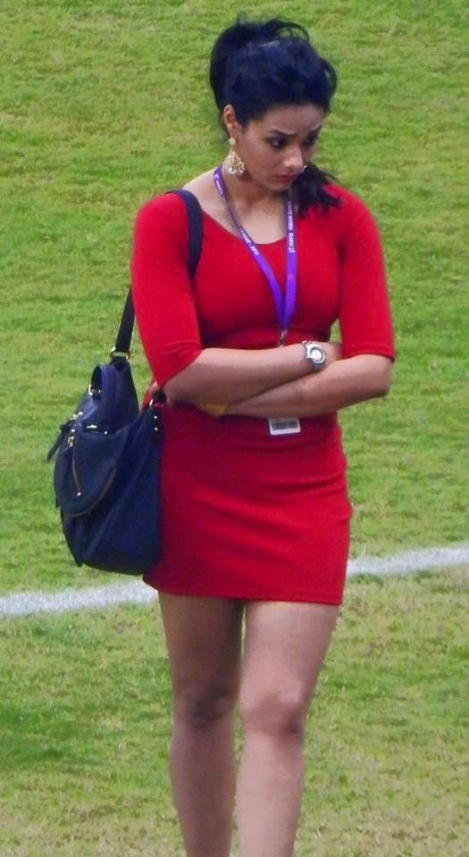 कोलकाता वनडे के दौरान मयंती लैंगर ने पहन ली ऐसी ड्रेस की एक यूजर्स ने कर डाला भद्दा कमेन्ट, मयंती ने भी दिया करारा जवाब 4