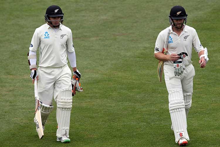 भारत बनाम न्यूज़ीलैंड: 1st मैच कमेंट्री: लंच ब्रेक तक न्यूज़ीलैण्ड ने की अच्छी शुरुआत 8