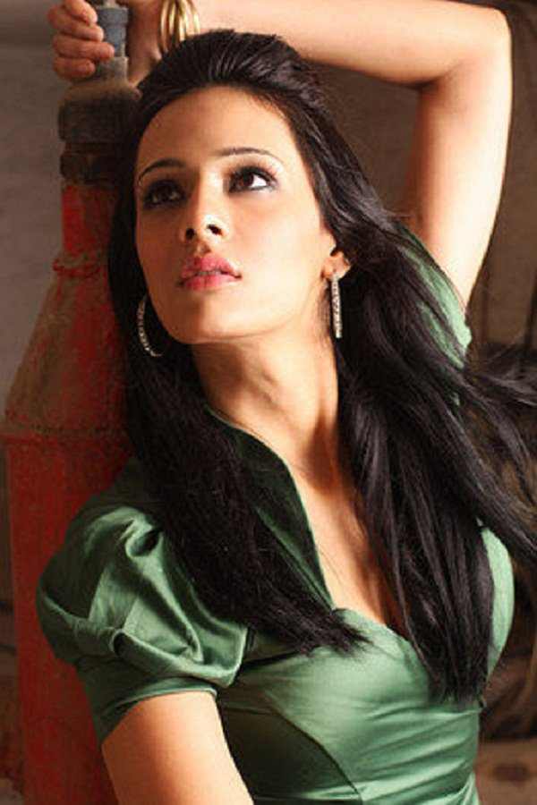 25-photos-of-hottest-sports-journalist-mayanti-langer-indian-tv-anchors-16