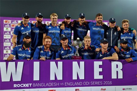 ट्विटर प्रतिक्रिया : इंग्लैंड ने रोका बांग्लादेश का विजयरथ