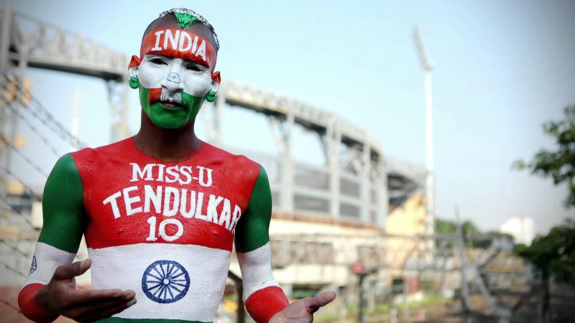 भारतीय टीम का हौसला बढ़ाने अहमदाबाद पहुंचे क्रिकेट फैन सुधीर 1