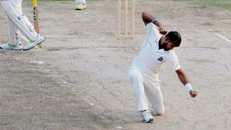 अशोक डिंडा ने अपने कोच से की बद्तमीजी, रणजी टीम से हुए बाहर 2