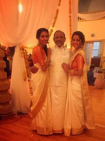 deepika-pallikal-with-her-father-and-sister