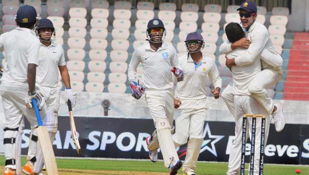 रणजी ट्रॉफी : महाराष्ट्र ने असम को पारी और 52 रनों से हराया 10