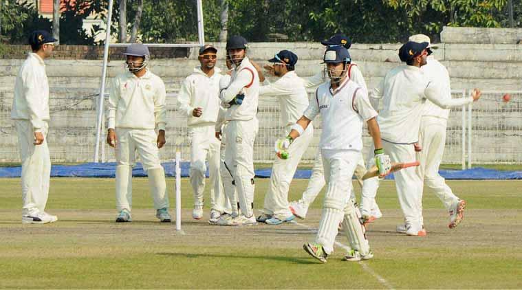 रणजी ट्रॉफी : लक्ष्य की पीछा करते हुए लड़खड़ाई दिल्ली 11