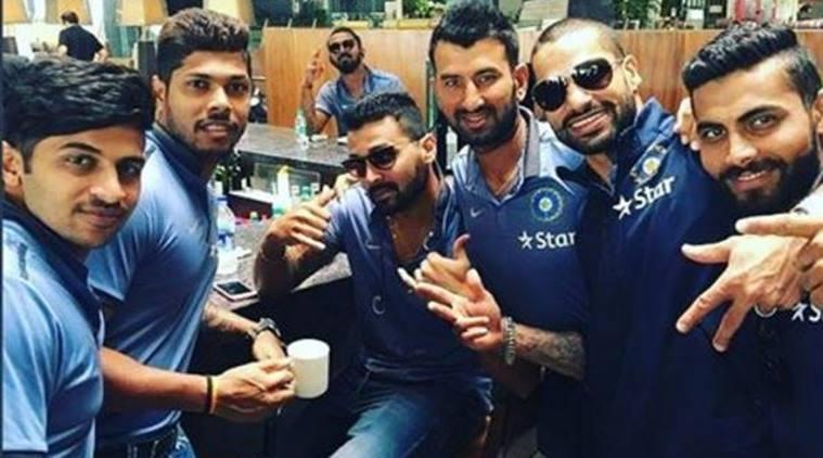 पुजारा ने दी पूरी भारतीय टीम को डिनर पार्टी, लेकिन अनुष्का कों साथ लेकर पहुँच गये भारतीय टेस्ट कप्तान 7