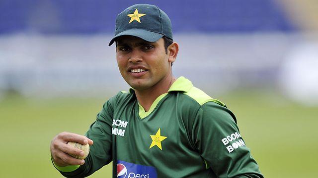 बांग्लादेश के खिलाफ टी-20 टीम में जगह न मिलने से निराश हुए कामरान अकमल ने भावुक होकर किया ट्वीट 11