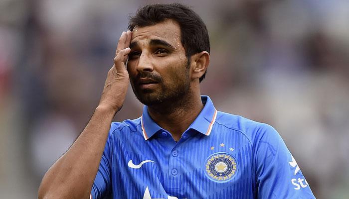 वीडियो: पाकिस्तानीयों ने भारतीय खिलाड़ियों का उड़ाया मजाक इस पर मोहम्मद शमी को आया गुस्सा, लेकिन धोनी ने किया बीच बचाव 5