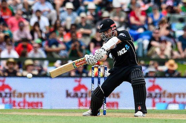 न्यूज़ीलैण्ड के विरुद्ध खेले गए पहले  एकदिवसीय में धीमी ओवर गति के चलते बांग्लादेश टीम पर जुर्माना