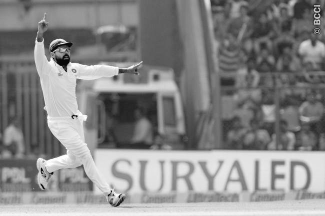 विडियो : मुरली विजय ने पकड़ा मोईन का कठिन कैच जिसके बाद कोहली ने किया कुछ ऐसा जिसने सभी कों किया हैरान 1