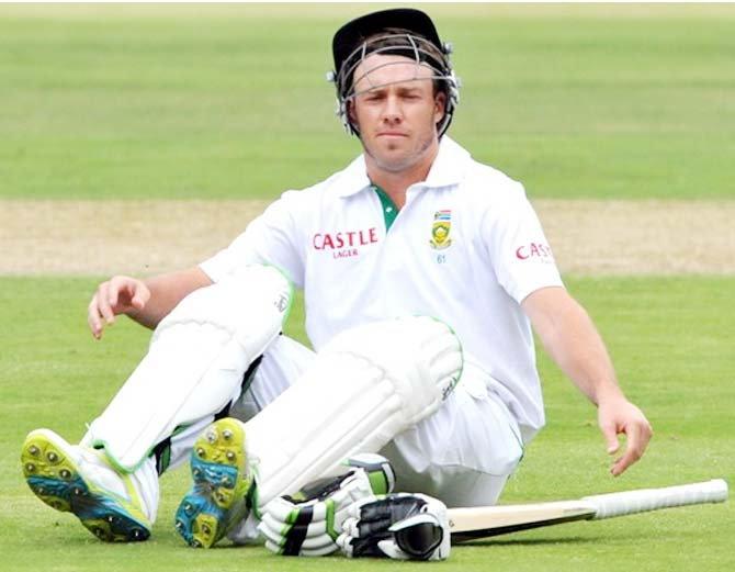 वीडियो: भुवी ने डाली इस साल की सर्वश्रेष्ठ गेंद दुनिया के सर्वश्रेष्ठ बल्लेबाज एबी डिविलियर्स को ऐसे दिया चकमा की उखड़ गया डिविलियर्स का विकेट 4