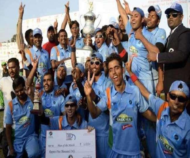 ..जब 'काबिल' क्रिकेट खिलाड़ियों से मिले ऋतिक