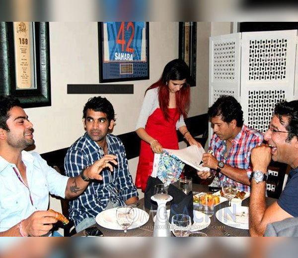 #HappyBirthdayVirat: विराट की ये तस्वीरें देख अनुष्का शर्मा भी खुद को हंसने से नहीं रोक पाएंगी, देखे कोहली की कुछ अनदेखी तस्वीरें... 5