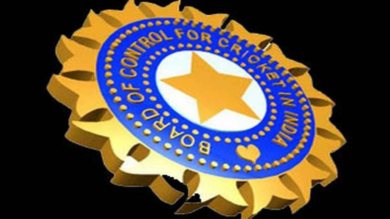 बीसीसीआई ने उठाया बड़ा कदम पहली बार महिला खिलाड़ियों को देगा सम्मान 1