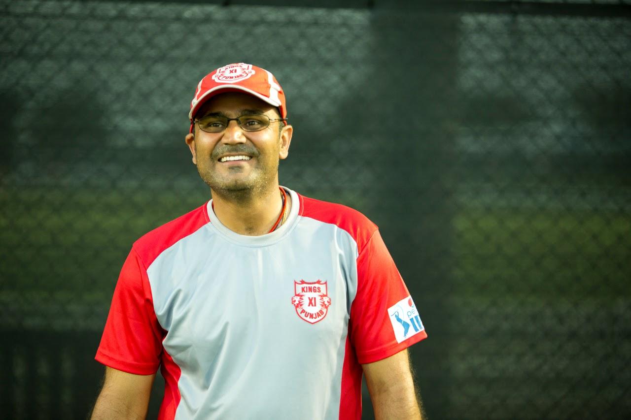 भारतीय टीम का कोच न बनाये जाने के बाद भारत छोड़ ये कहाँ पहुंच गये वीरेंद्र सहवाग 4