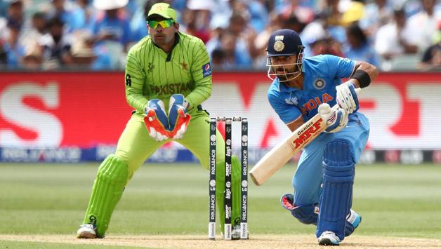 फिटनेस टेस्ट में फेल होने के बाद पाकिस्तानी खिलाड़ी ने उतार दिए गुस्से में कपड़े! 1