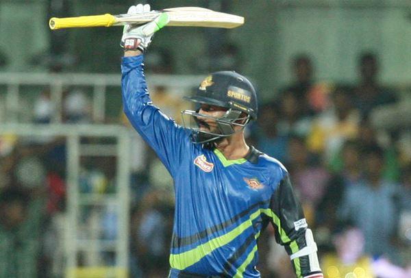 दिनेश कार्तिक ने आईपीएल नीलामी से पहले किया ऐसा शानदार प्रदर्शन, कि अब आईपीएल नीलामी में करोड़ो की रकम मिलना तय 2