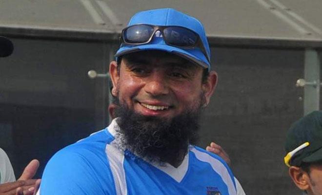 पाकिस्तान के पूर्व दिग्गज गेंदबाज सकलैन मुश्ताक से इस टीम ने किया दो साल का अनुबंध 7