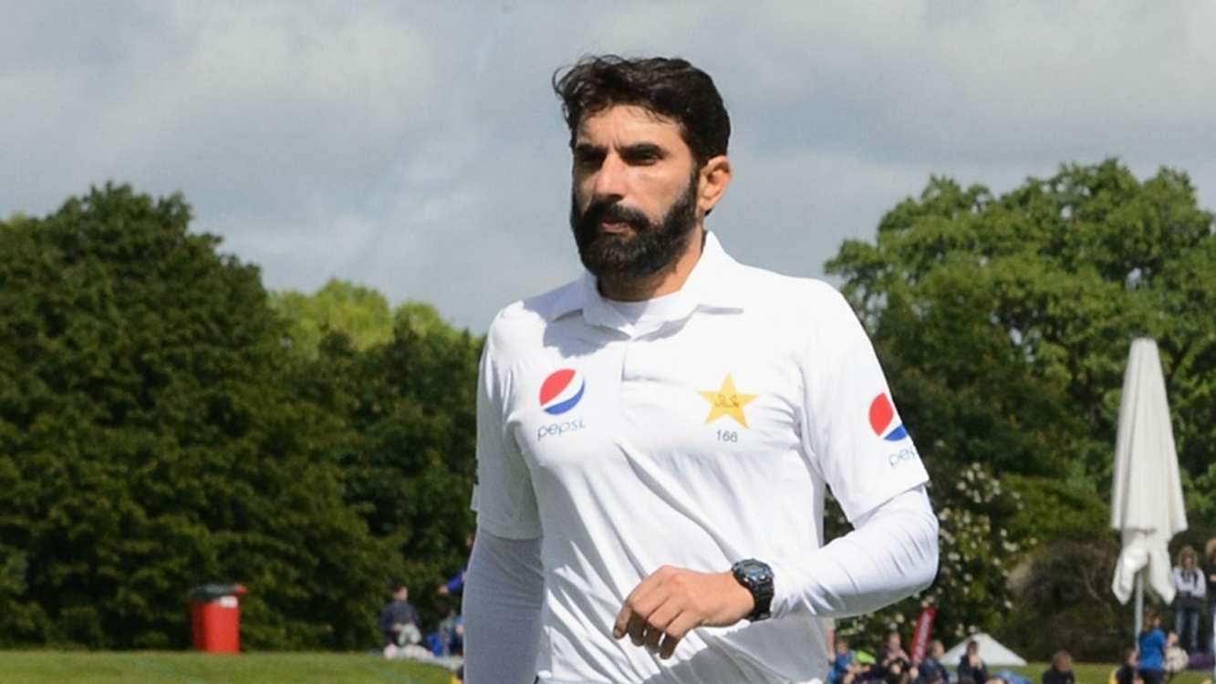 पीसीबी चाहती है, कि वेस्टइंडीज दौरे के बाद संन्यास ले मिस्बाह 16