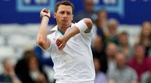 चोट के बाद क्रिकेट के मैदान में वापसी करने को बेताब है ये तेज गेंदबाज 12