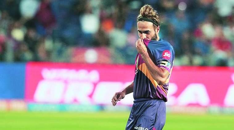 IPL 10 में इन 3 गेंदबाजो का है बोलबाला, 3 में एक भारतीय गेंदबाज है शामिल 11