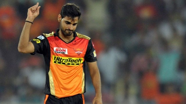 IPL UPDATE: धवन को नहीं, भुवी को उपकप्तान बनाए जाने से हैरान हैं फैन्स 13