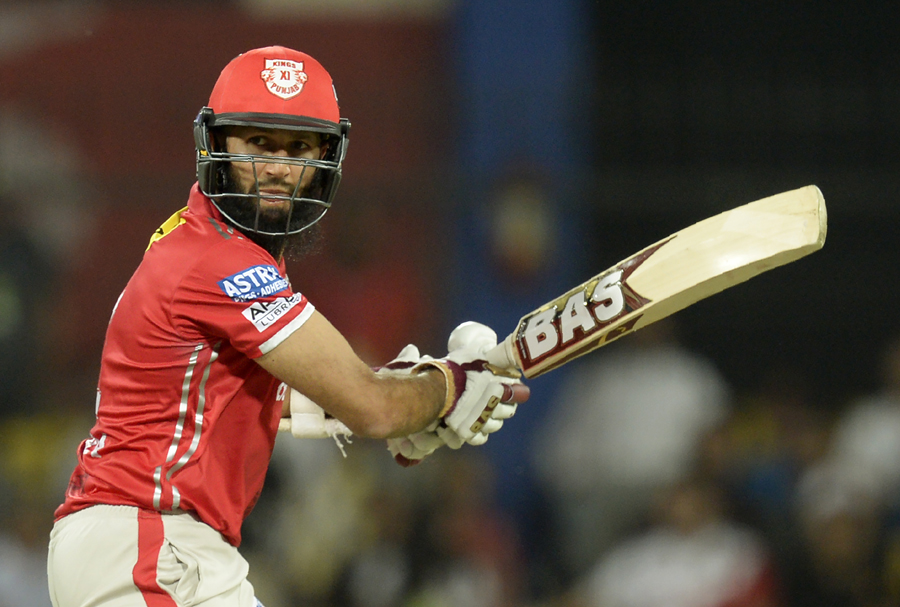 हाशिम अमला ने इस साल के आईपीएल में सभी को चौकाते हुए, डिविलियर्स, धोनी और कोहली को पछाड़ा 10