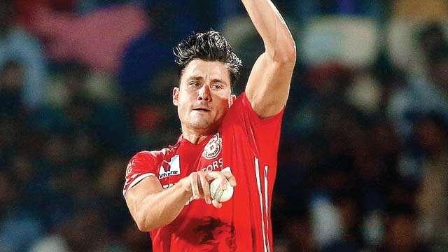 भारत के खिलाफ बल्ले और गेंद दोनों से शानदार प्रदर्शन कर रहे स्टोइनिस ने कहा कुछ ऐसा जीत लिया कोहली का भी दिल 4