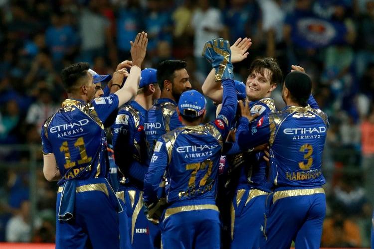 वीडियो : बिग बैश लीग के पहले ही दिन मुंबई इंडियन्स के इन 2 खिलाड़ियों ने मिलकर किया ऐसा रनआउट, अम्पायर समेत सब रह गये हैरान 10