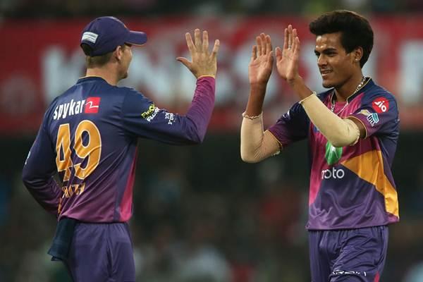 IPL 2018: नीलामी हुई खत्म इन 11 खिलाड़ियों के साथ आईपीएल का अपना पहला मैच खेलने उतरेगी मुंबई इंडियंस 9