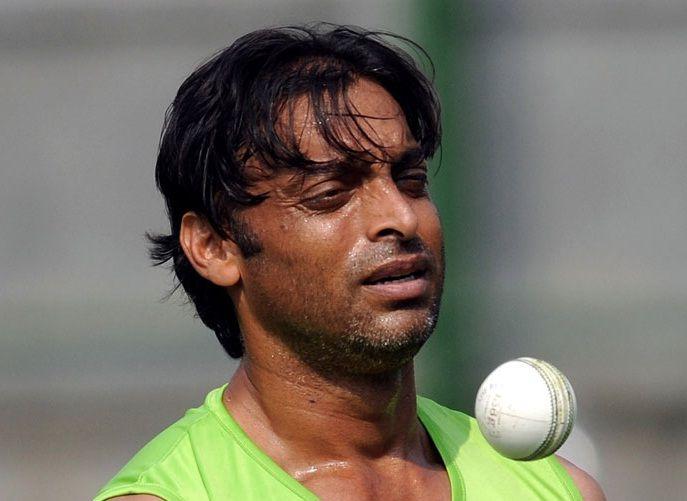अख्तर ने दिया एक और विवादित बयान, कहा महान तेज़ गेंदबाज़ वसीम अकरम कप्तान रहते हुए कभी भी नही करते थे इस दिग्गज गेंदबाज़ से बात 5