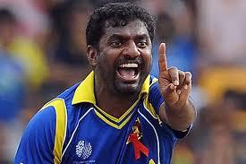 क्रिकेट के भगवान ने खास अंदाज़ में दी श्रीलंका के दिग्गज गेंदबाज़ मुथैया मुरलीधरन को जन्मदिन की बधाई 14