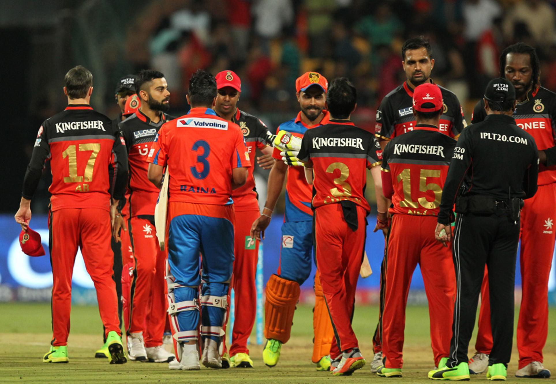लगातार हार से परेशान बैंगलोर की टीम ने की अंतिम 11 की घोषणा, आधी टीम को दिखाया बाहर का रास्ता 14
