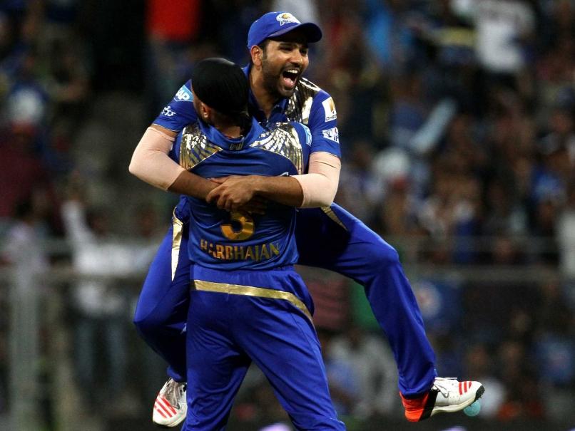 मुंबई इंडियंस से बाहर किये जाने के बाद छल्का हरभजन सिंह का दर्द, अब इस टीम से खेलना चाहते है आईपीएल 2