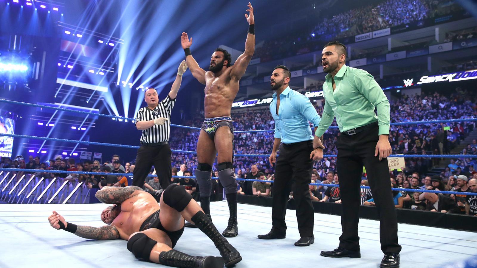 WWE SMACK DOWN रिजल्ट 10 मई 2017, अंत में भारतीय रेसलर पड़ा WWE चैंपियं पर भारी 1