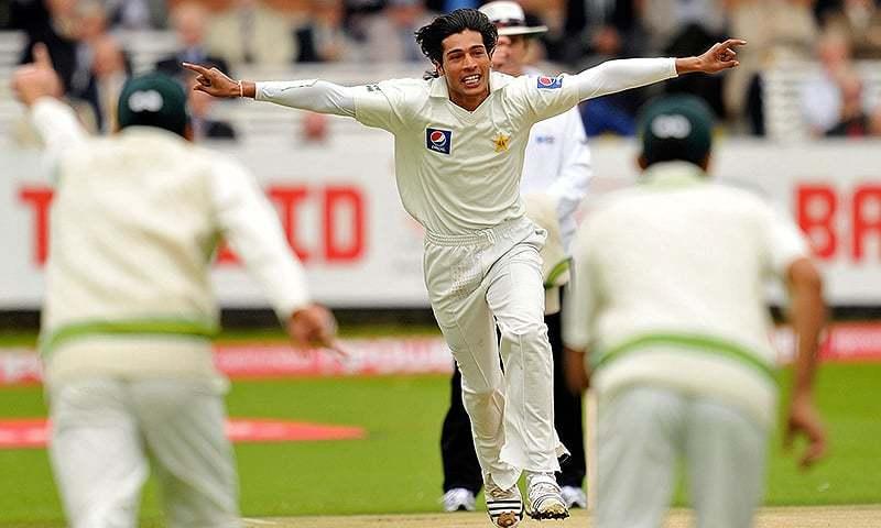 अपने गेंदबाज़ के बचाव में शोएब मलिक ने पूरी टीम को ठहराया इस बात का दोषी 19
